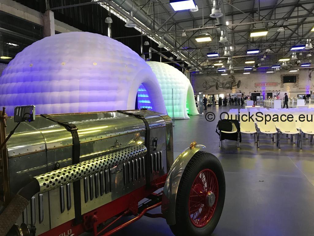 cúpulas para diferentes secciones, por ejemplo, talleres